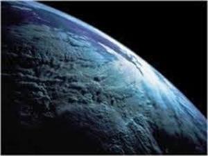 Спутник Нептуна становится похожим на Землю. Фото NASA.